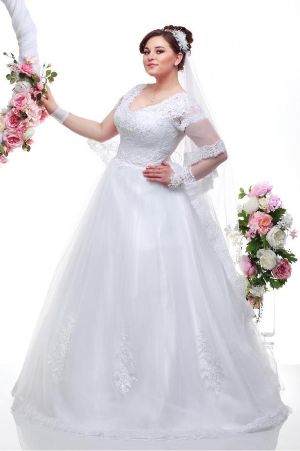 b8f1041960cf Свадебные платья для полных девушек купить недорого оптом и в ...